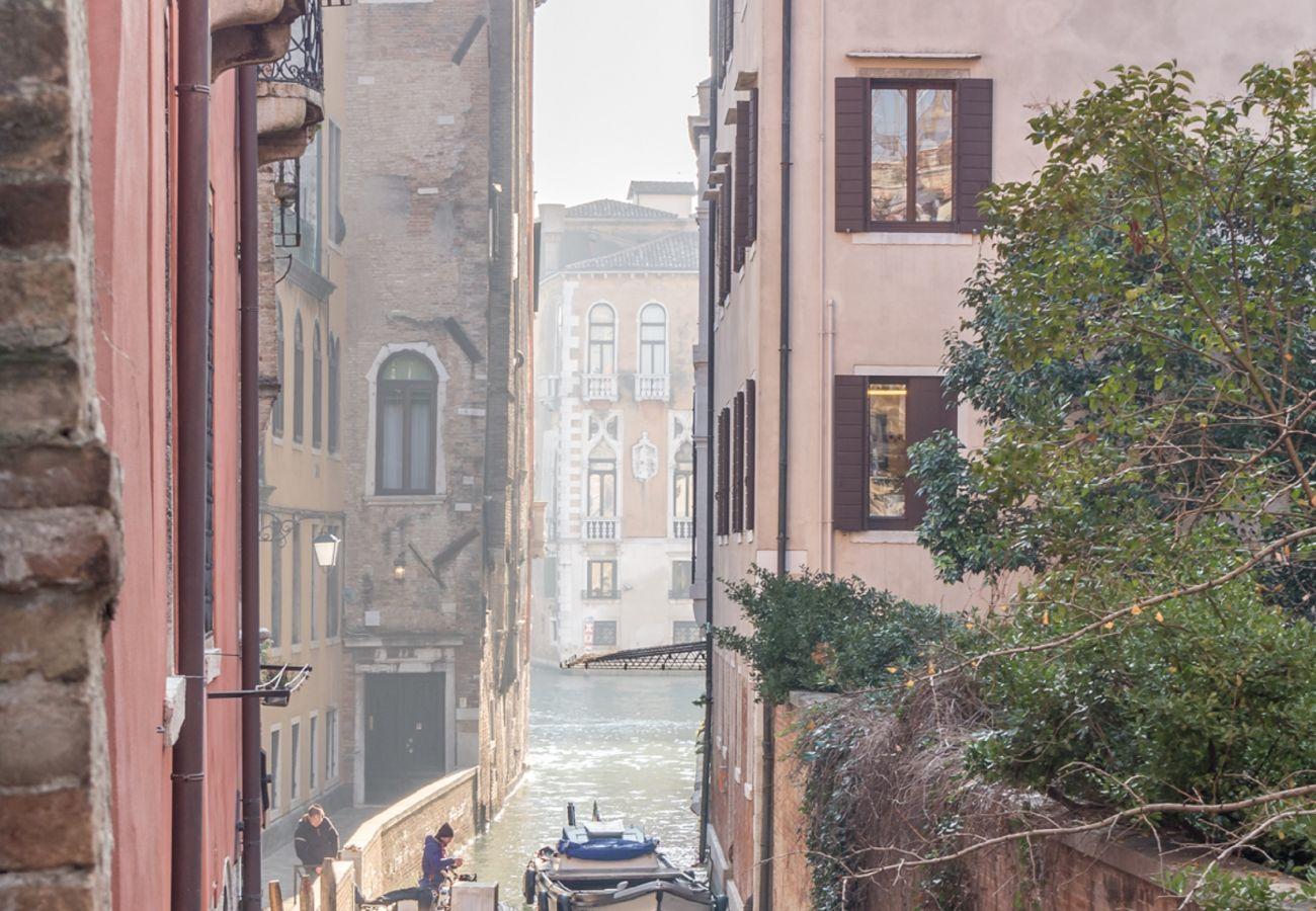 Ferienwohnung in Venedig - Venice Grand Canal Style Apt. 1