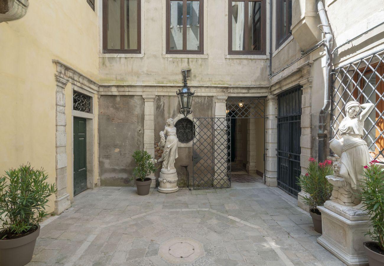 Studio in Venedig - Venice Luxury Palace 2