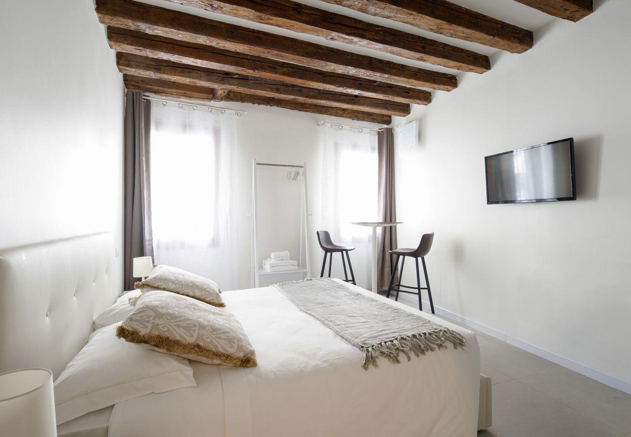 Ferienwohnung in Venedig - Accademia Charm Apartment n.1