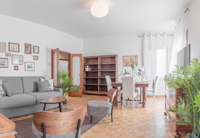 apartments in venezia venice luxury palace 8. Black Bedroom Furniture Sets. Home Design Ideas