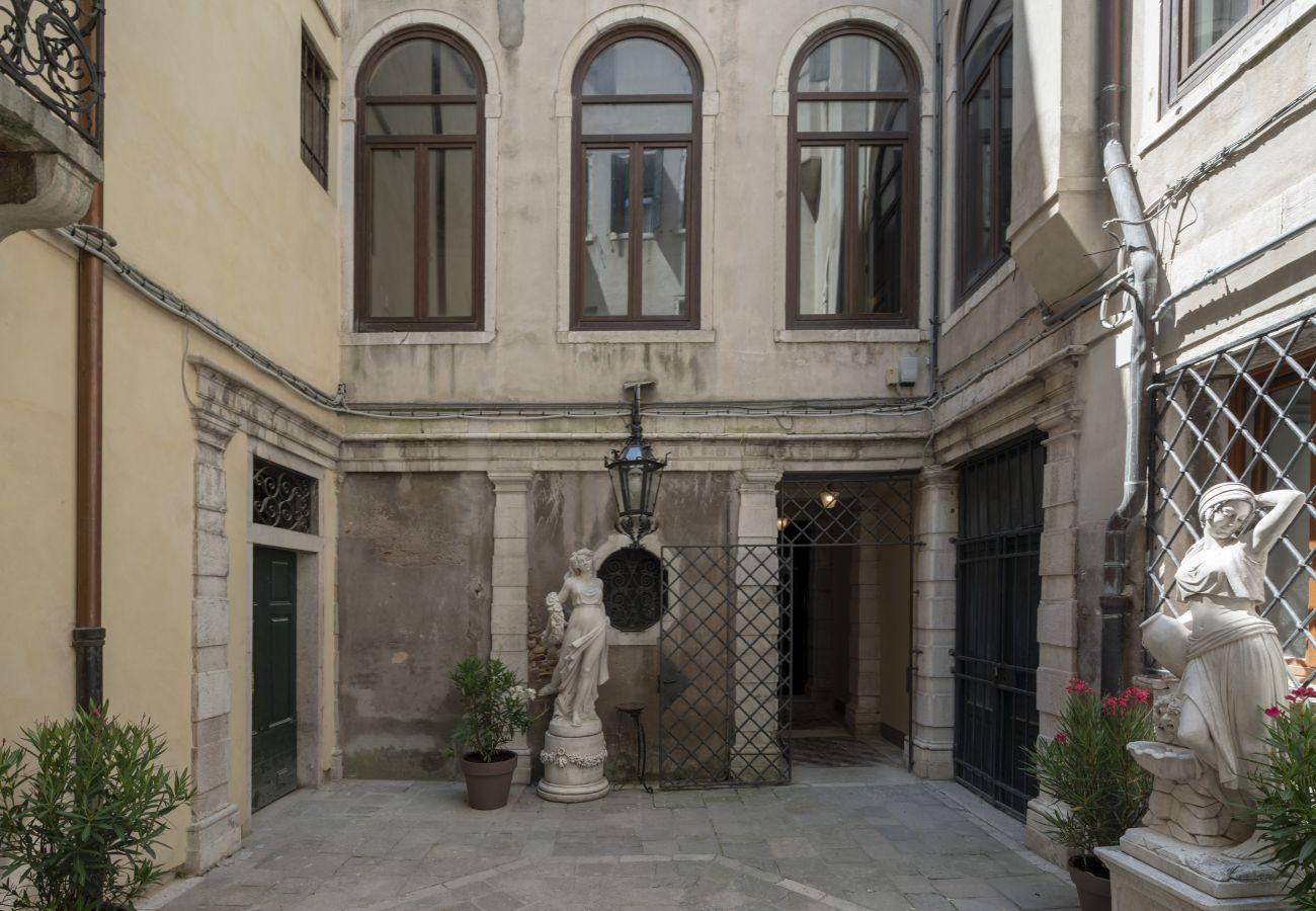 Apartment in Venice - Venice Luxury Palace 1
