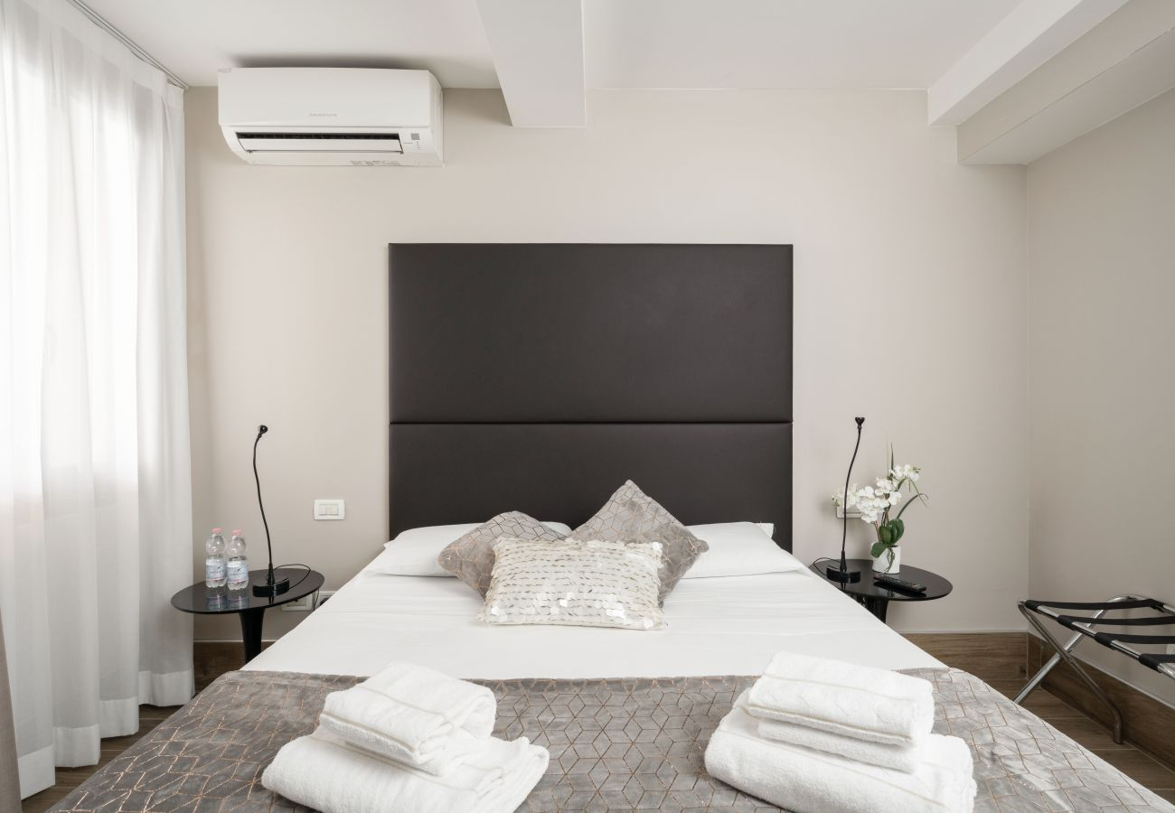 Rent by room in Venice - Hotel Herion - 1A Matrimoniale